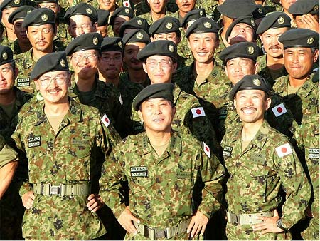 自衛隊ニュース2004年10月1日(6)